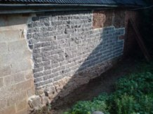 lime mortar used to build cob blocks on stonework footings